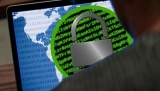 Nezodpovědnost, zbrklost či naivita nahrávají hackerům. Ti přicházejí se stále novými triky jako třeba s imitací napájecího kabelu