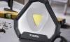 Přenosná lampa Varta Work Flex Stadium Light (test) je hodně vychytaná a vysoce mobilní