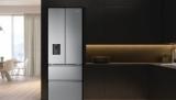 Chladnička Hisense Skyline RF632N4WIE se systémem French Door a výdejnou vody